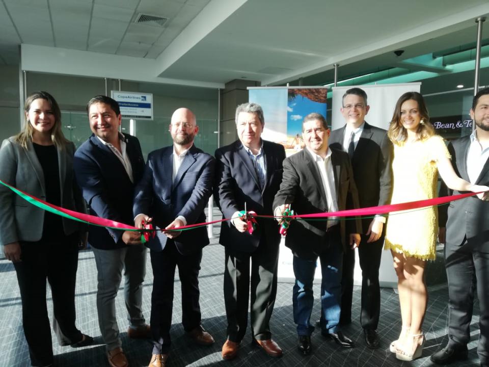 Con grandes expectativas llegó el vuelo de Panamá a Puerto Vallarta