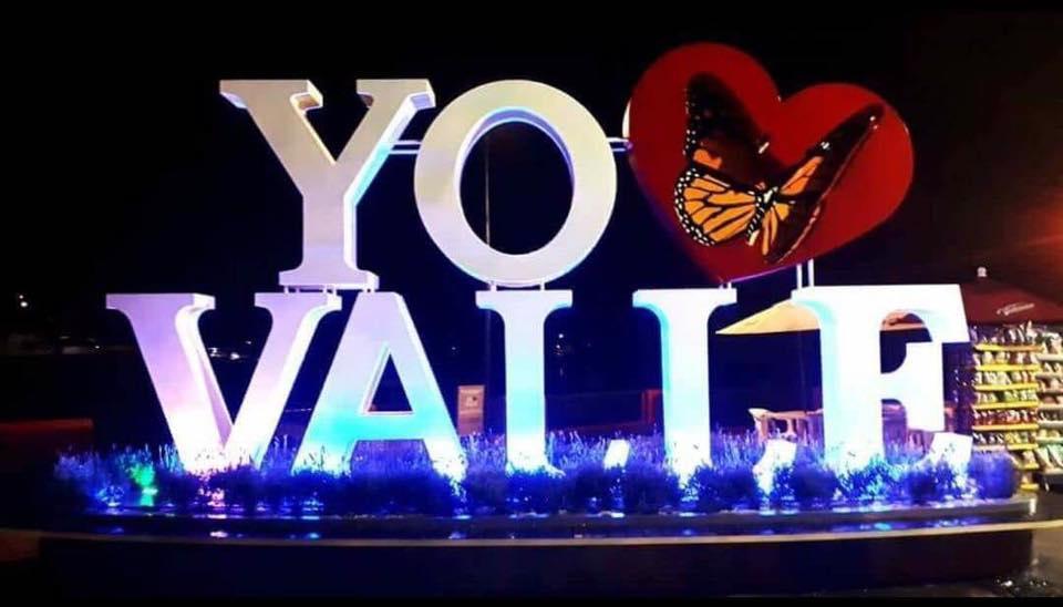 Podría contar, Valle de Banderas, con sus letras de bienvenida