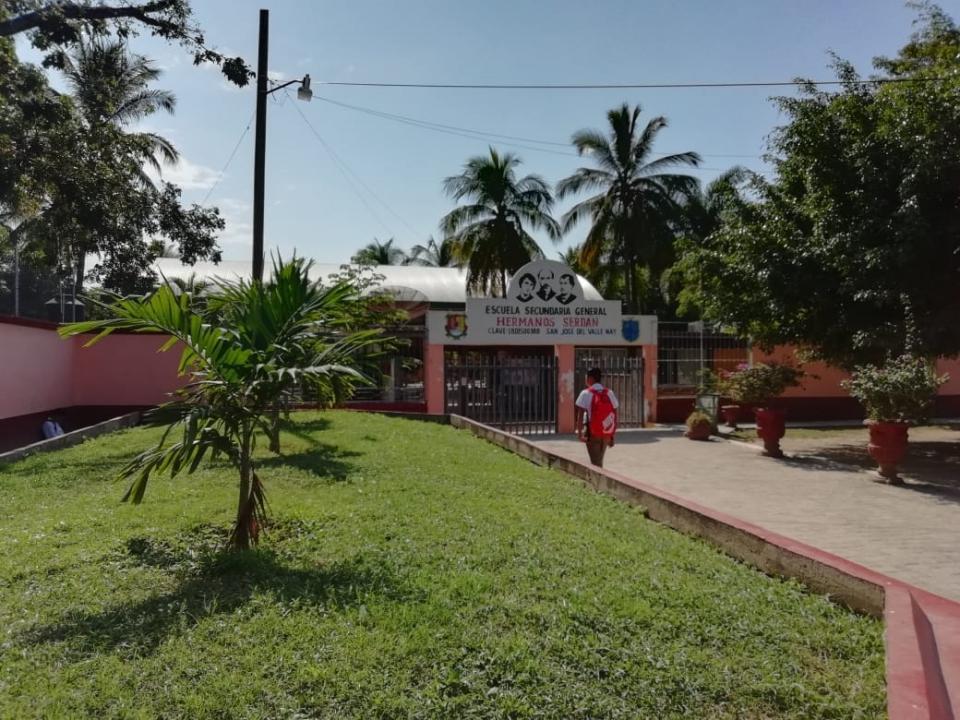 Dotarán de libros y mobiliario a escuelas de Bahía de Banderas