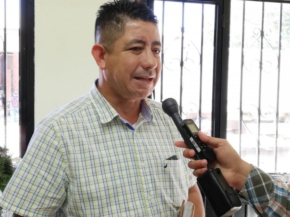 """Ocupan baches en Valle Dorado """"un trabajo profundo"""": JAGC"""