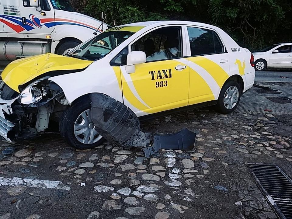 Trasladan a Guadalajara a los heridos por accidente de moto
