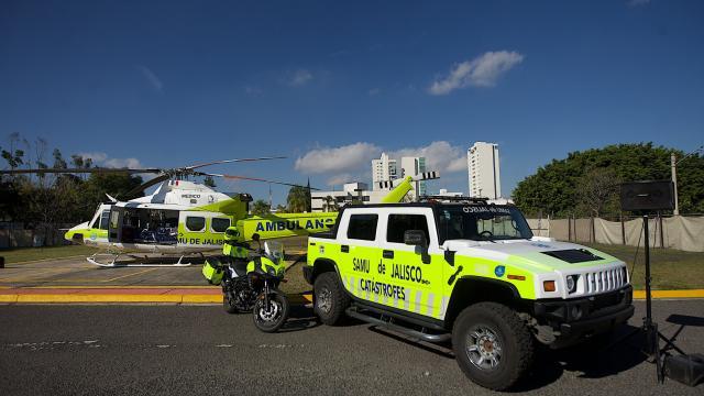 Entregan helicóptero del gobernador de Jalisco para usarlo en traslados médicos