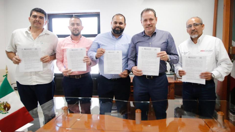 Logra Jaime Cuevas más capacitación para constructores de Bahía