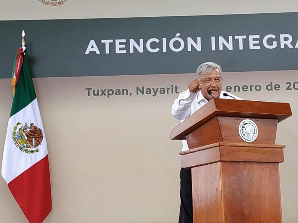 """GIRA DE AMLO POR NAYARIT…Aún hay familias sin apoyo;  les dicen que """"ya merito"""""""