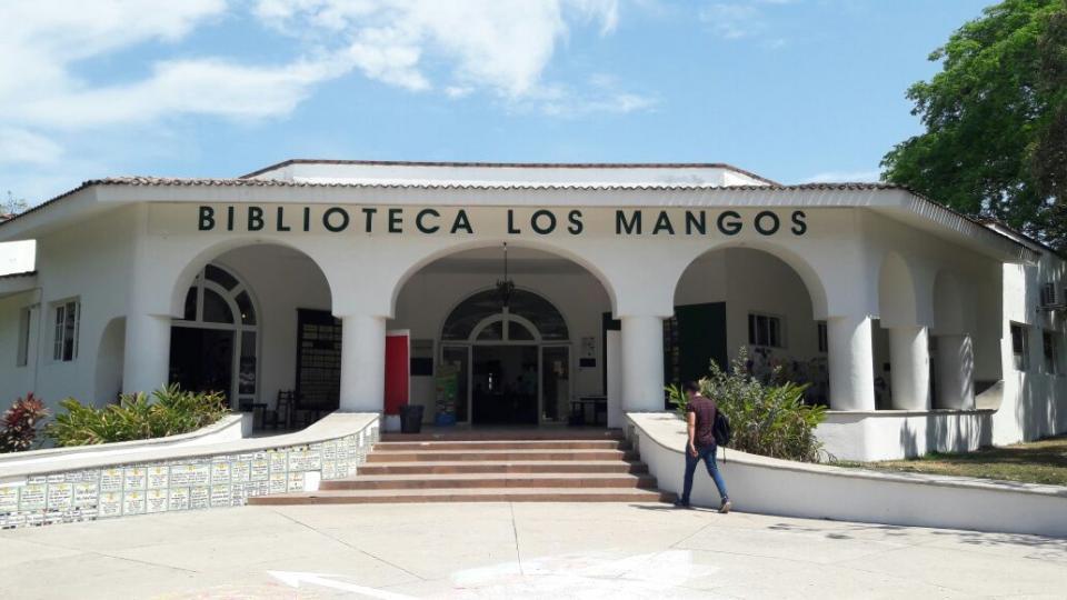 Recibe la Biblioteca Los Mangos a  más de mil 500 personas por mes