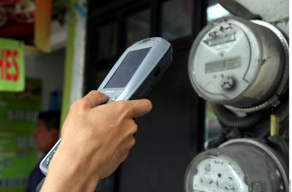 Tarifas eléctricas de bajo consumo no tendrán alzas en términos reales