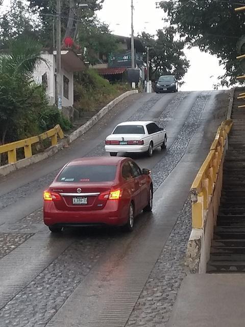 Calle 16 de Septiembre, una peligrosa trampa cuando llueve