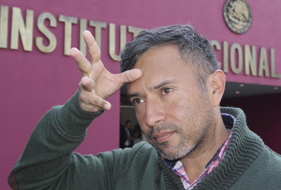 ALEXIS ARIEL MARTÍNEZ SALGADO Lenguaje de señas, más allá de  un recuadro en la televisión