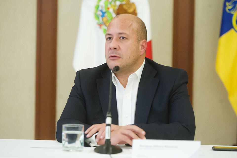 INSISTE ALFARO EN RESOLVER EL DESABASTO QUE EXISTE EN LA ENTIDAD…    Reitera Jalisco su apoyo al Gobierno  en el combate al robo de combustible