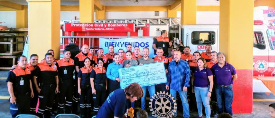 Entregan importante donativo  a Protección Civil y Bomberos