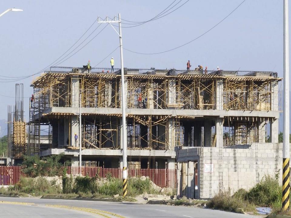 UBICADO EN SAN VICENTE, NAYARIT…    Avanza la construcción  del hospital del IMSS
