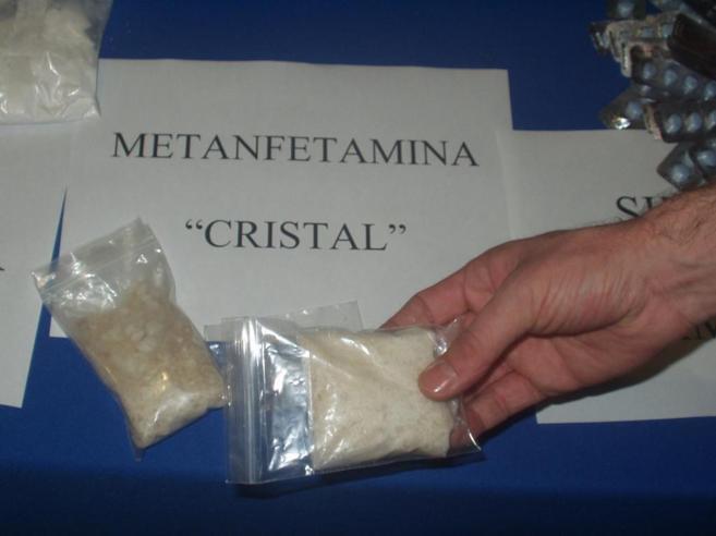 Elementos del Ejército aseguran  droga y metanfetaminas
