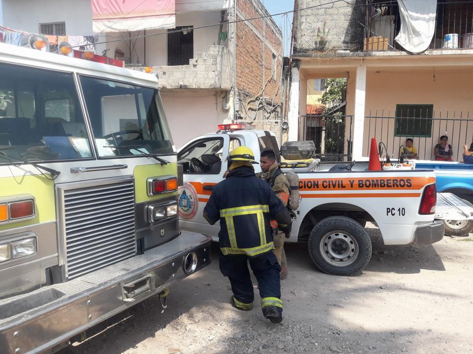 Bomberos previenen  explosión en edificio