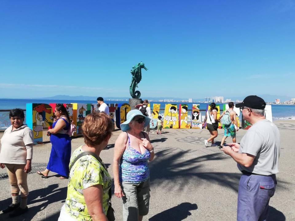 Califican turistas con un 10 a Puerto  Vallarta; satisfechos en esta ciudad