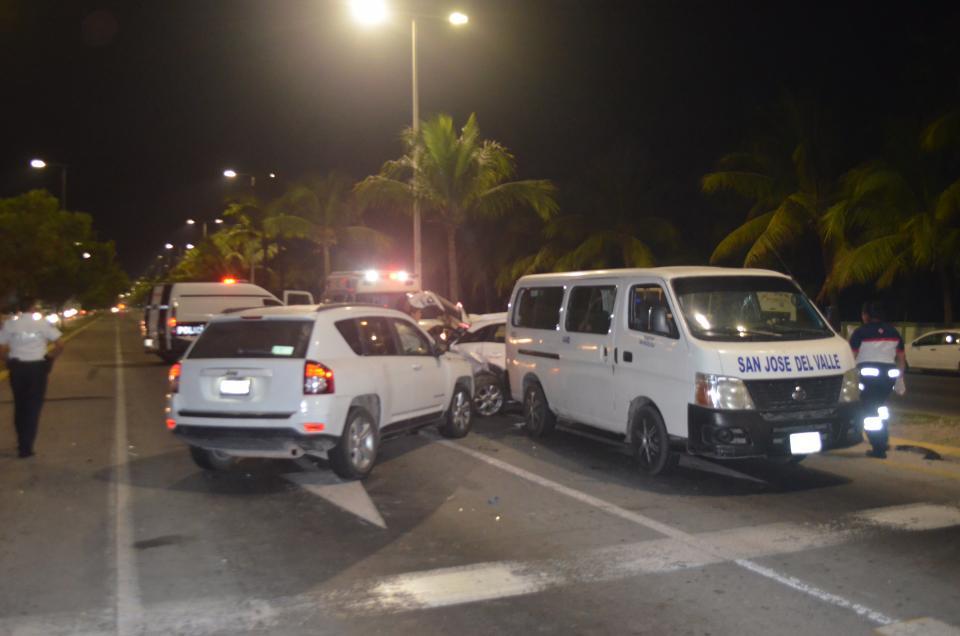 Destroza Jeep a Mazda