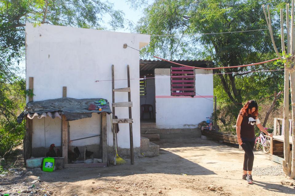 Inicia entrega de 'Cuartos  Adicionales' en El Aguacate