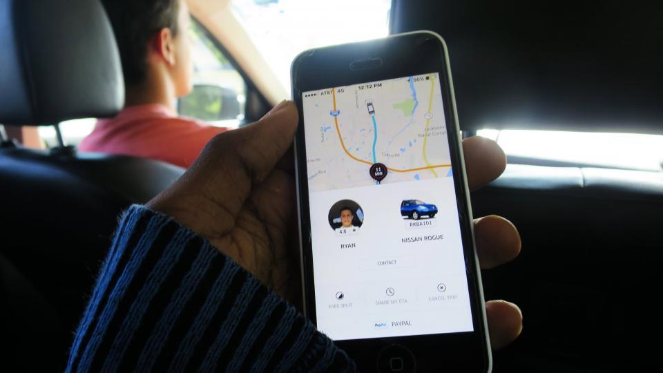 Secuestro exprés y robo, sufren tres conductores de Uber