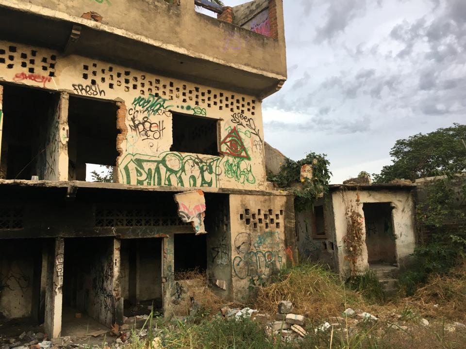 Casa abandonada es  nido de malvivientes