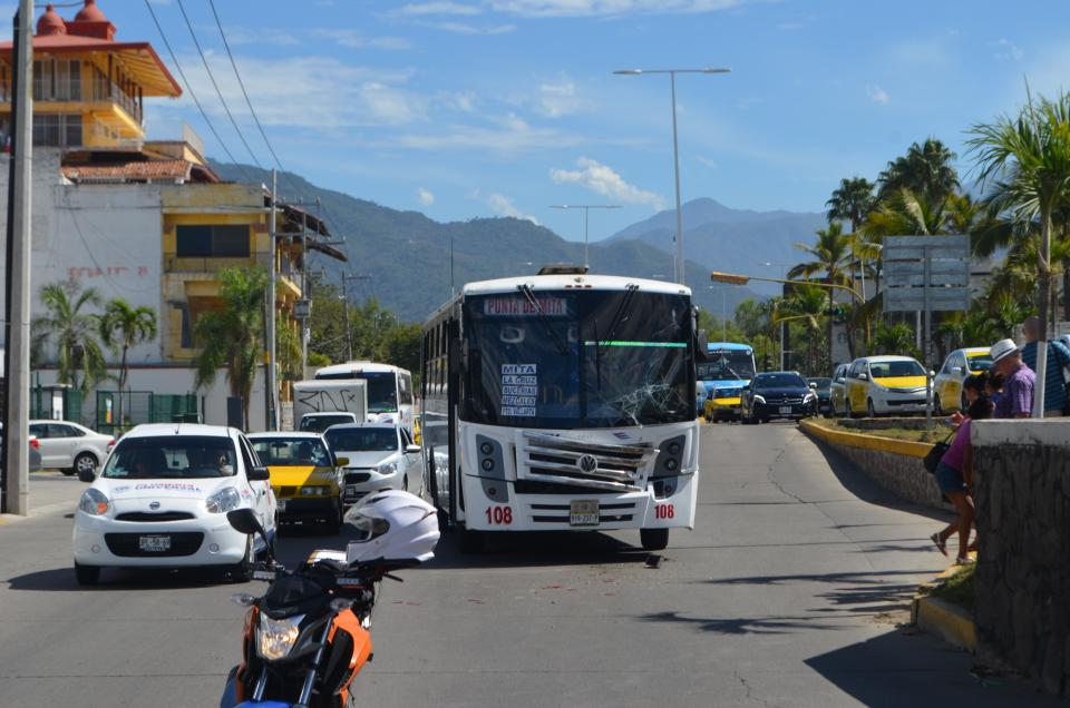 Camiones participan en choque
