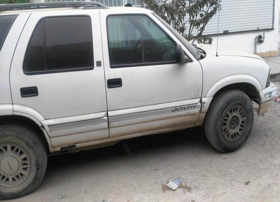 Recuperan camioneta  con reporte de robo