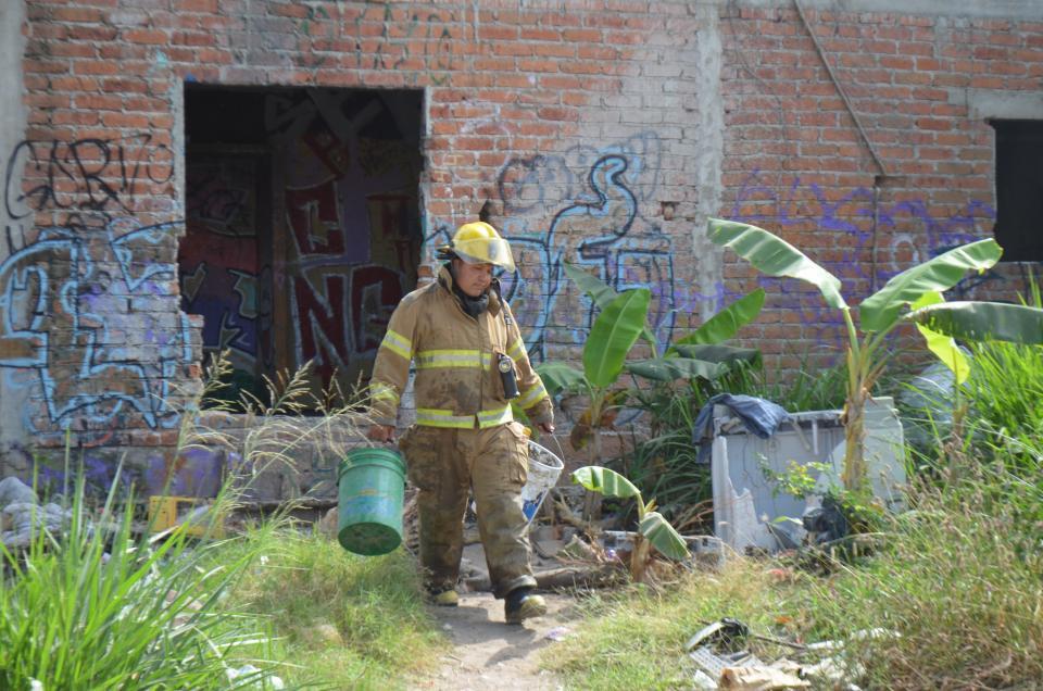 Incendian casa abandonada