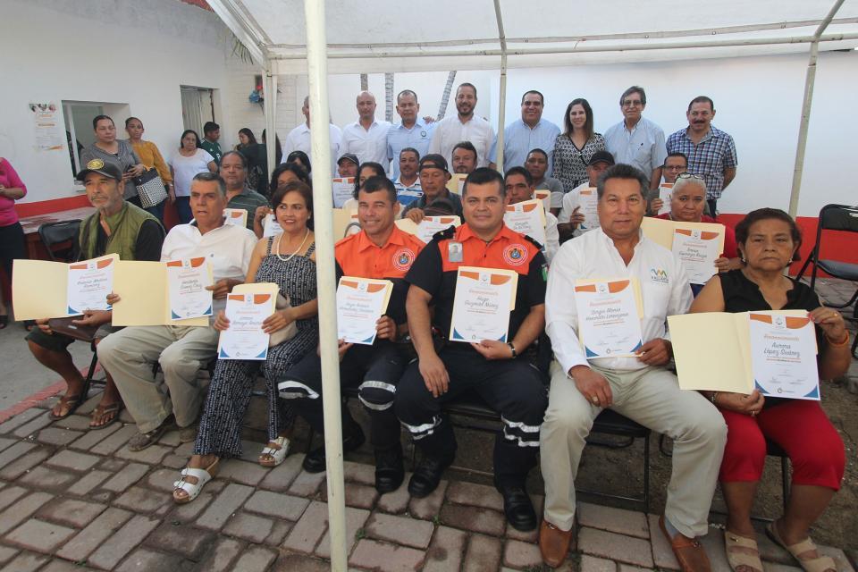 Reconoce alcalde Arturo Dávalosa servidores públicos jubilados