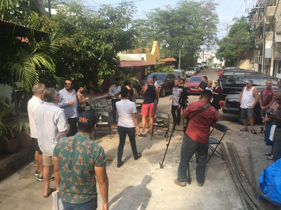 La Asociación de Vecinos de Amapasconstruye nuevo andador Pilitas
