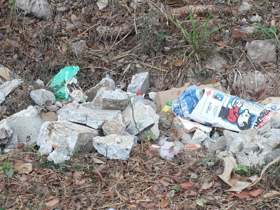 Usan de Tiradero de Escombro y Basura los Terrenos deLa Colonia Linda Vista