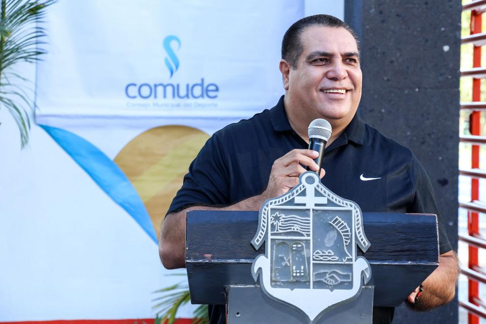 ENCABEZA EL PROYECTO FERNANDO GONZÁLEZ CORONA…Embellecerán carretera 200con apoyo de empresarios
