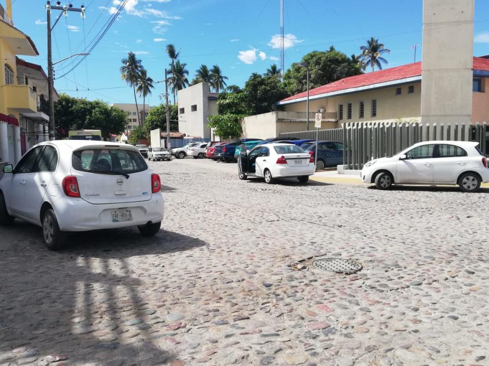 Complejo, el problema dela falta de estacionamiento