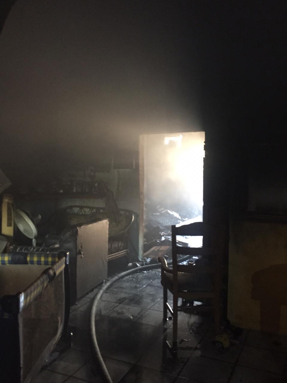 Sofocan Bomberos incendios en Laguna del Valle