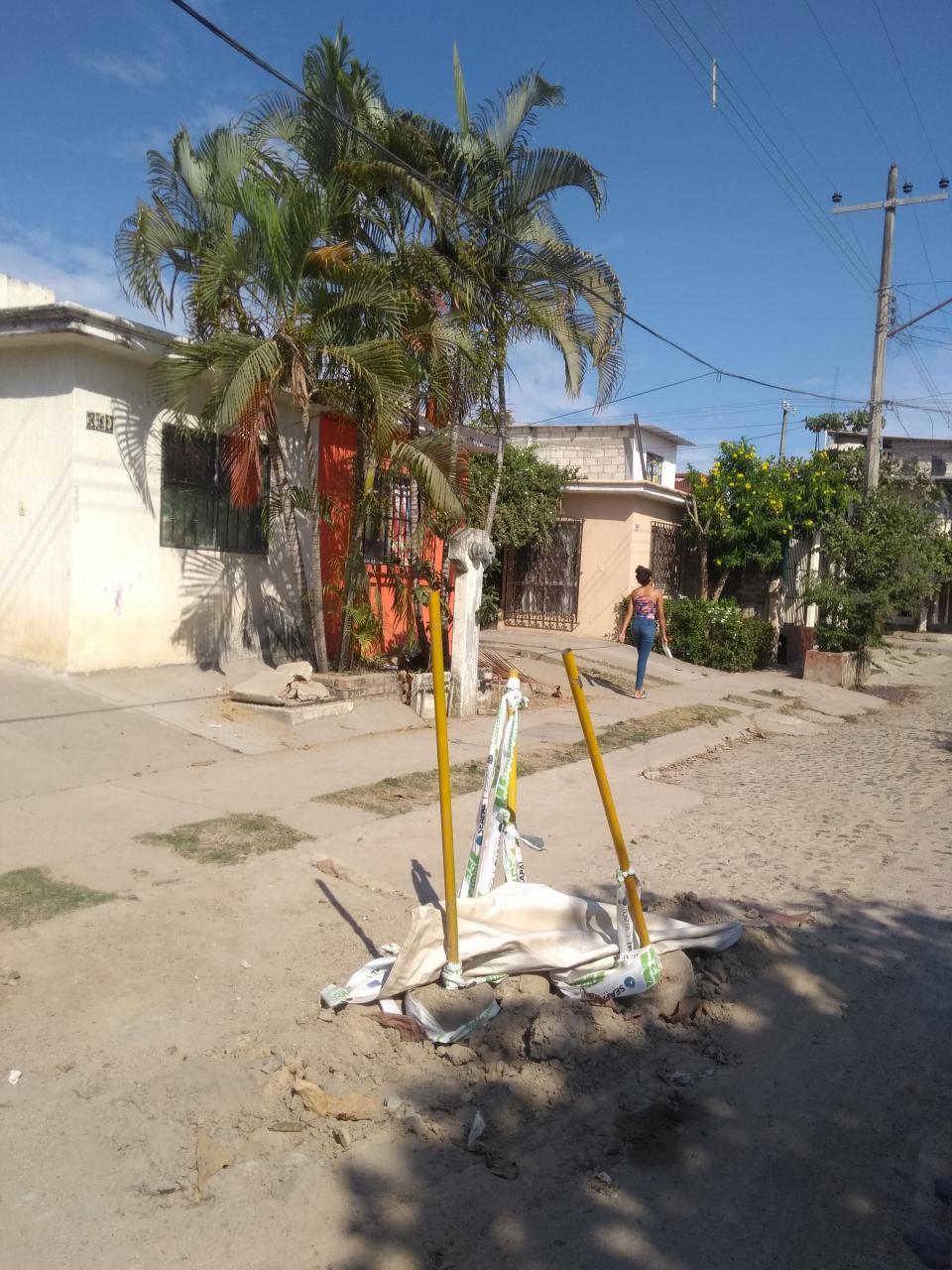 Abandonan obraen Tamarindos