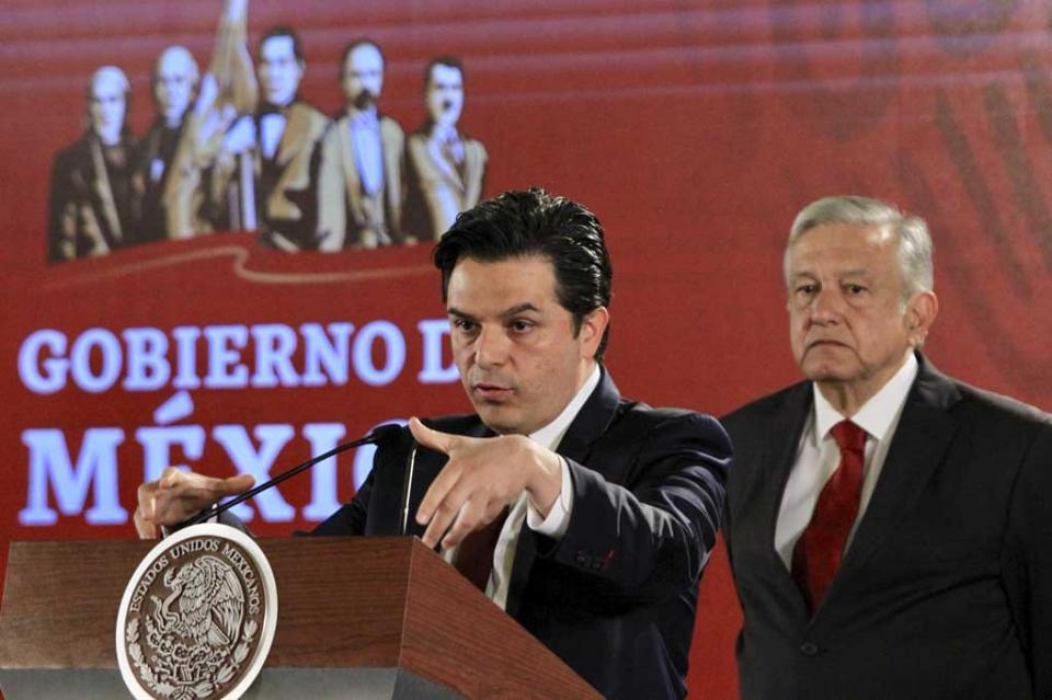 Zoé Robledo sustituirá a Germán Martínez en la dirección del IMSS
