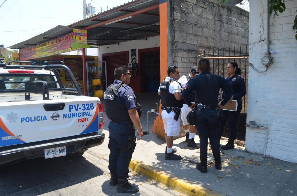 Policía Municipal frustra roboa mano armada y sale herido