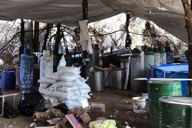 Aseguran laboratorio para producir droga en Jalisco