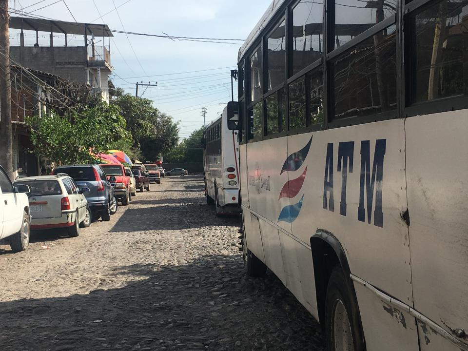 Transportes Medina se adueñade las calles en la 5 de Diciembre