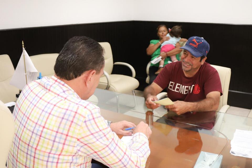 """""""Jaime Cuevas, si apoya a la gente necesitada"""""""