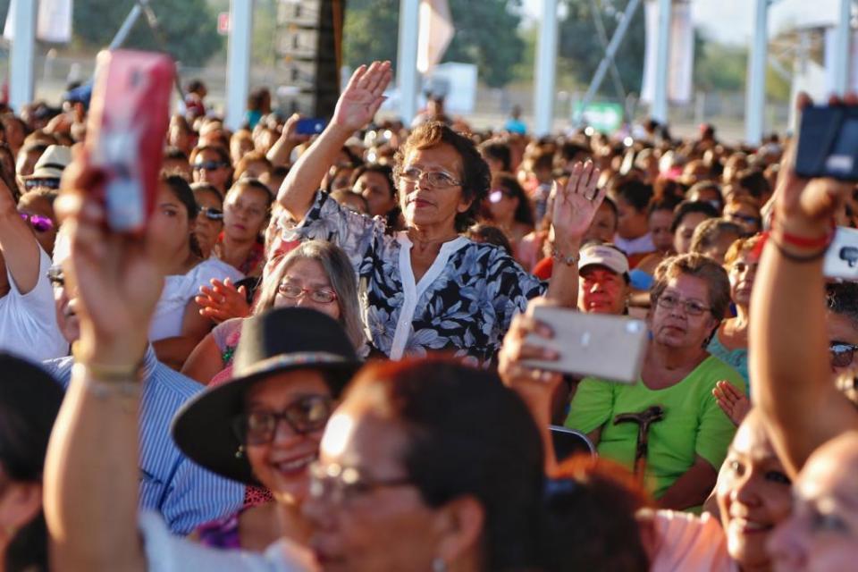 Espectacular festejo para 7 mil mamás de Bahía de Banderas