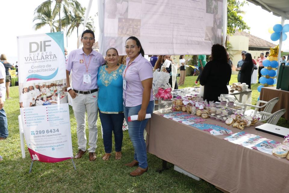 DIF Vallarta, presente en el Festival Internacional de Altruismo