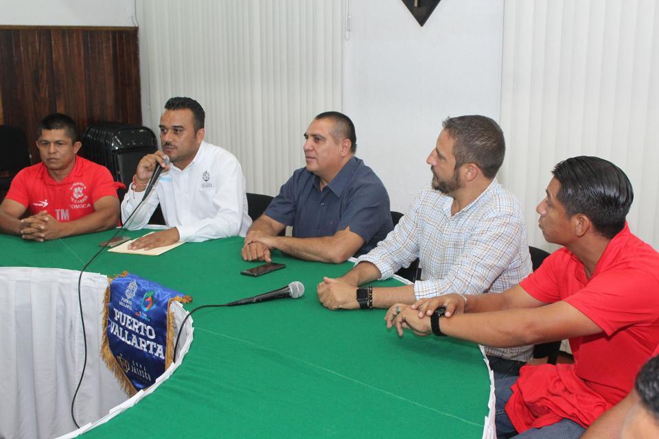 Abanderan equipo que representará a PV en Copa Jalisco