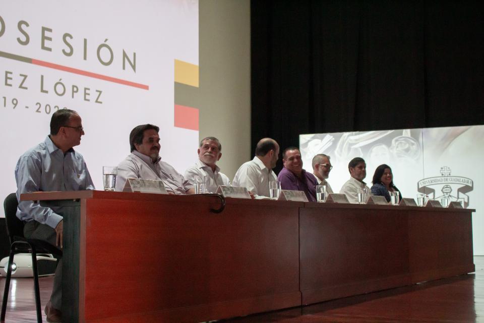 Toma Posesión como Rector del CUCosta el doctor Jorge Téllez López