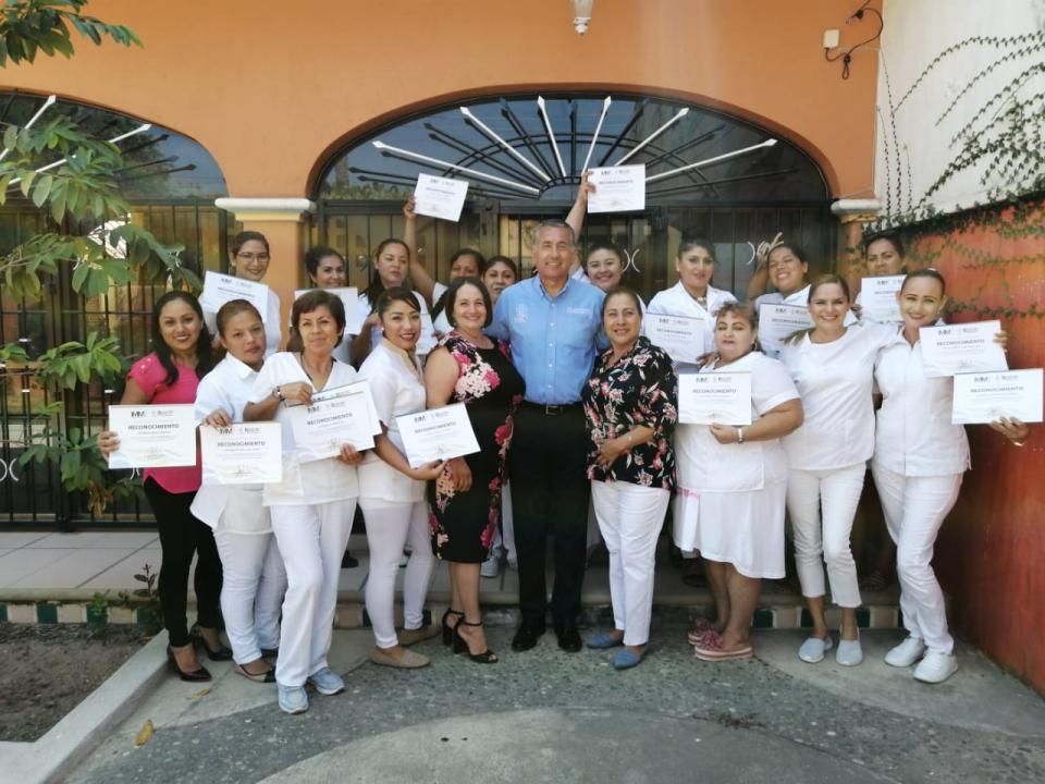 Continúa Jaime Cuevas acercando oportunidades de autoempleo a las Mujeres