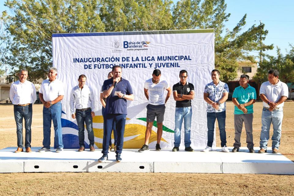 Inaugura Jaime Cuevas Liga Municipal de Fútbol Infantil y Juvenil