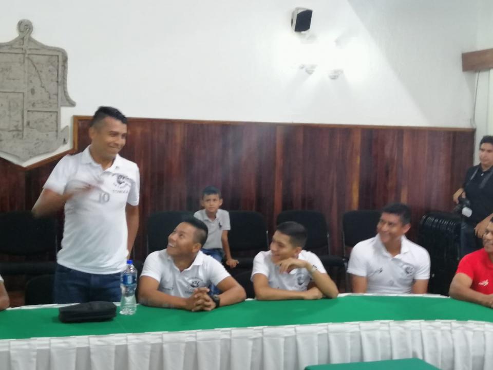 Alcalde abandera selección vallartense para Copa Jalisco