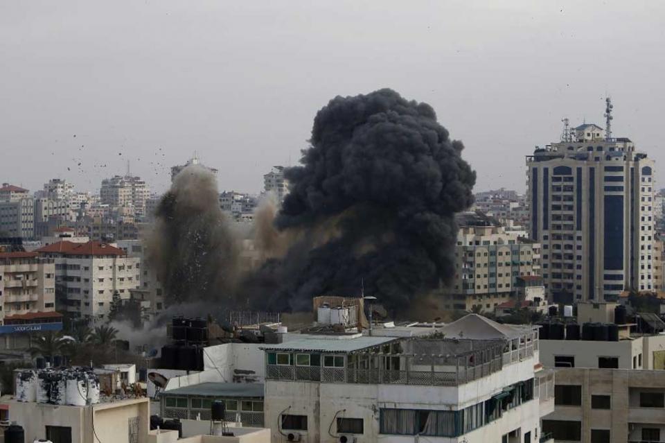 Netanyahu ordena intensificar bombardeos en la Franja de Gaza