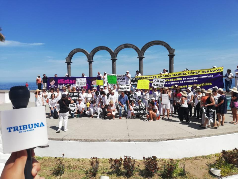 Marcha pacífica en Puerto Vallarta vs las políticas de AMLO