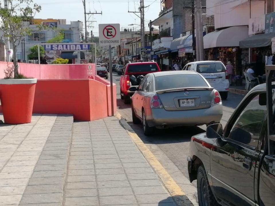 Falta de estacionamiento ya esun gran problema en El Pitillal