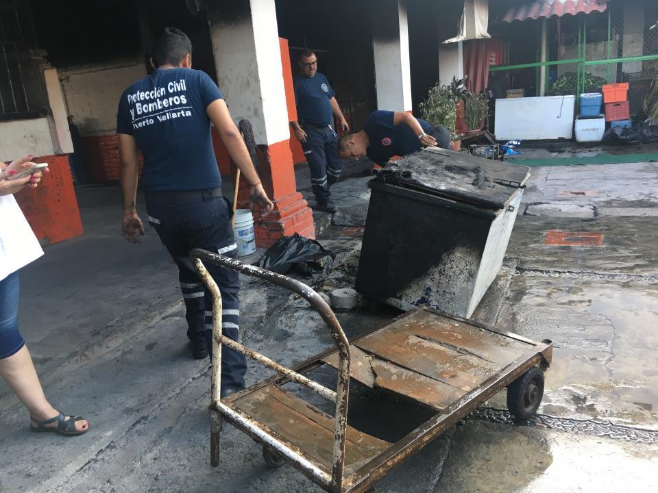 Inicia reparación de las bodegasdel mercado 5 de Diciembre