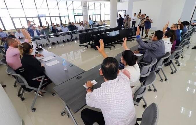 Sindicato vs nueva Ley; alcaldediputados y gobernador la avalan