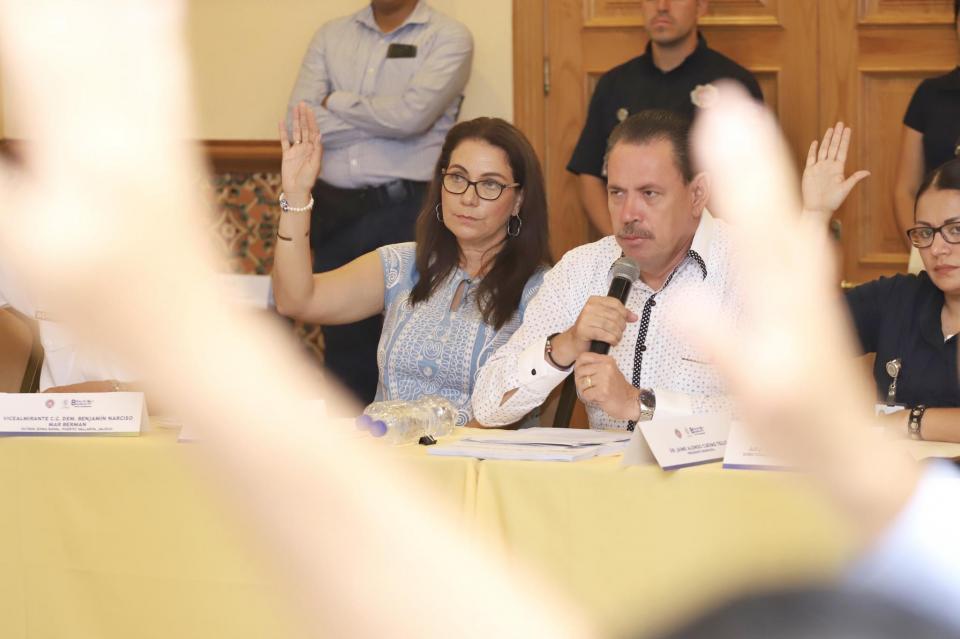 Instala Jaime Cuevas Sesión Permanente para temporada de Huracanes 2019 en Bahía de Banderas